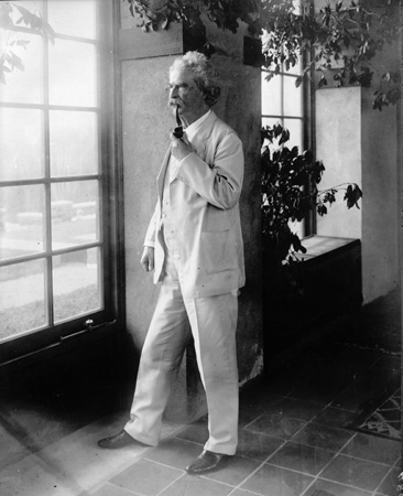 Writer-Mark-Twain-Circa-1900-from-Getty-Images